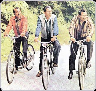 Adegan lakonan P. Ramlee bersama AR Tompel dan Ibrahim Din dalam filem Do Re Mi