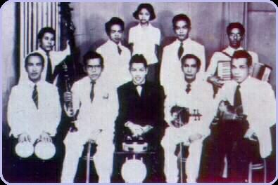 P. Ramlee bersama Orkes Mutiara (1946)