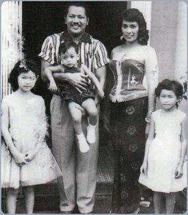 P. Ramlee bersama Norizan dan anak-anak