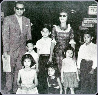 P. Ramlee bersama Saloma dan anak-anak