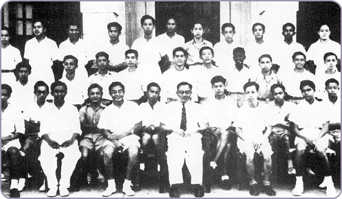 P. Ramlee semasa di Sekolah Penang Free, Pulau Pinang pada tahun 1947 (barisan belakang,  3 dari kiri)